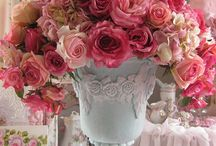 Stunning Weddings: Urns