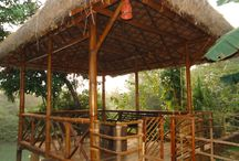 deck / deck photo's consists of sit outs made out of bamboo and thatched roof