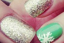 nails / by Alejandra Andino