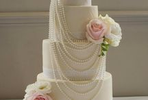 Cakes with pearls