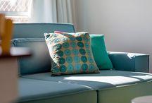 Almofadas na Decoração / Almofadas são peças chave e de grande destaque na decoração. Compor diferentes tamanhos, cores, estampas e texturas  podem ser um grande diferencial no ambiente.