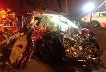 Accidente en Costanera Norte deja un joven fallecido / Un muerto y cuatro heridos de gravedad dejó un accidente de tránsito que se produjo en la intersección de Costanera Norte y Puente Los Saldes, en la comuna de Vitacura.