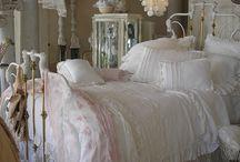 Спальня. / Постельное белье, подушки....