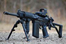 Guns / Broń