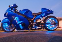 Cool Cars & Motorcycles / by Lomero