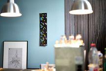 dot on - kalender - das original mit den bunten klebepunkten / Die multifunktionalen #Kalender sind in insgesamt 5 Versionen erhältlich und können nach persönlichen Vorlieben und räumlichem Platzangebot ausgewählt werden. Jede Version hat eine schwarze sowie eine weiße Seite und wird im Set mit über 700 ablösbaren #Klebepunkten in 12 Farben geliefert.  Außerdem erhältlich: der immerwährende #Geburtstagsplaner mit bedruckbaren #dots!  #klebepunkte #doton #planner #calendar