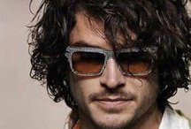 Curly Male hairstyles / Seems good: http://www.salonvictor.se/ Accepts Bitcoins: http://www.hair-team.com/?page=kompassen/
