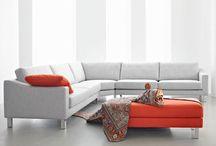 Leolux: Eigenzinnige design meubelen / Sinds 1934 produceert het familiebedrijf Leolux al haar meubelen in Venlo. De Leolux-zitideeën worden door internationale freelance designers ontworpen en op bestelling door vakmensen geproduceerd. Zo stelt elke klant een hoogst persoonlijk meubel samen uit een groot aantal modellen, bekledingen, kleuren en comfortopties.