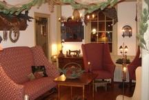 Interior Ideas.. My Olde House / by Folk Artist Sue Corlett