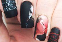 painting nail art