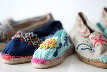 zapatos  / la firmeza al caminar se   debe reflejar en  la mujer audaz   capaz de mostrar lo femenina y elegante.  segura de lo que quiere y las pisadas que debe dar