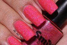 Nails / Nail style, nail polish, DIY nails, nail tutorials