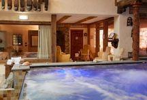"""Wellness & Spa / L'area benessere """"Le Sorgenti del Gran Paradiso"""" ha il privilegio di unire la bellezza delle montagne e della cultura alpina con il piacere di immergersi nelle calde acque sorgive."""