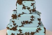 Beautiful cakes! / by Cindi Schultz