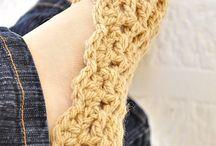 Sapatilhas de Croché / by Jô Mothé
