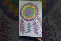 Desenhando,criando comlápís,canetas,etc...