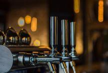 Pianka z Tanka / Nasze piwo jest przewożone i przechowywane w specjalnych tankach w idealnej temperaturze 6 °C, zachowuje pełnię smaku świeżo uwarzonego piwa. Mamy tylko 14 dni na to aby podzielić się nim z Wami co zapewnia mu świeżość i niepowtarzalny smak.