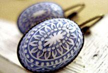 Lieblingsfarbe: Blau / Blaue Schmuckstücke sind etwas Besonderes. Wir haben verschiedenste Schmuckstücke mit unterschiedlichen Blautönen. Ob Ohrringe oder Ketten, ob Vergissmeinnicht oder Kornblume, hier dominiert die Lieblingsfarbe: blau.