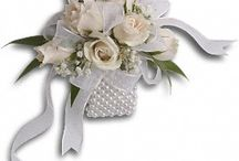 corsages tampa  / We serve All of Tampa, st peteresburg, brandon, clearwater..order online 24/7
