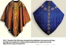 Costume : 1100s Bishop