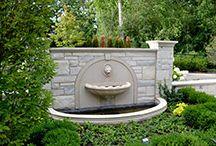 Fontanny przyścienne / Niewielkich rozmiarów fontanny przyścienne są znakomitym rozwiązaniem zarówno na zewnątrz rezydencji jak i jej wnętrza.