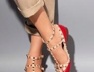 OMG Shoes! / by Jade Knispel