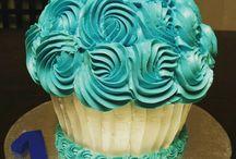 Short 'N Sweet Creations / Cookies, Coconut Macaroons, Cakes, Pies! Everything made by Short 'N Sweet.
