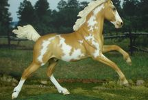 Doodlebug / Stablemate scale romping grade horse gelding sculpted by Sarah Rose www.rosehorse.com  Painted by various artists