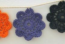 Hækle og strikke/Crocheting and Knitting