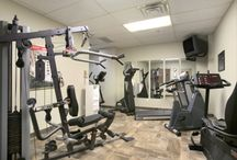 Ramada Ammenities / Our newly renovated, 192 room hotel has plenty of amenities for all to enjoy.  Whether you are looking for an indoor pool, a fitness center or even an arcade/games room for the kids, we have you covered.