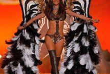 Victoria Secret Fashion Show 2010 - Wild Things