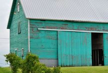 Barns and farm houses with a twist / Barn and other farm houses with painted art on the walls, special colors or different architecture.