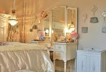Dreamrooms / Pretty rooms with sweet decorations .