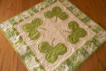 Table runners, toppers &placemats / by Debbie Mullarkey