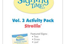 Free Friday / A NEW weekly blog post from Signing Time Dot Com with free materials! Flashcards, Lyric Sheets, Coloring Pages and more! #freefriday #comesignwithus