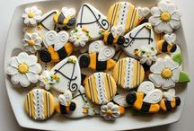 COOKIES , CUPCAKES AND CAKE POPS / by Mary Matovina