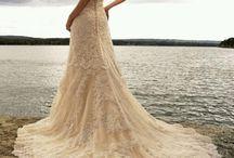 wedding dress / by Roxy Liera