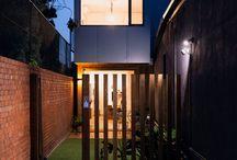 Maison préfabriquée contemporaine / Découvrez les plus belles maisons préfabriquée contemporaines avec de grandes baies vitrées et une décoration intérieure design.
