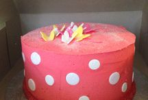 Simple yet elegant cakes / Cakes, cupcakes and popcakes