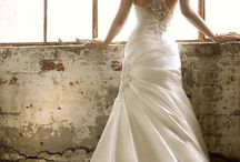 Wedding Dresses with Sexy Backs  / by NY Gets Wed