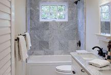 Bathrooms / by Amanda Cuney-López