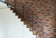 Duplex sous les toits / Création d'un duplex de type loft par aménagement de combles et liaison avec l'appartement situé en-dessous