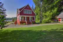 Red House Part One / http://alkemie.blogspot.com/2010/04/real-estate-stalking-lakeside-cottage.html / by Heidi M