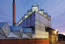 Stirling / rozbudowa budynkow historycznych, elewacja zewn. odpowiadajaca wnetrzu
