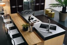 kitchen with breakfast nook/bar