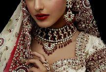 Indische Kleidung & Schmuck