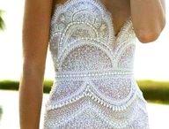 Beauty in Dresses / by Aneta Bunke
