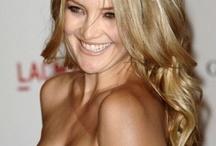 {Kate} Hudson: always smiling