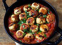 FOOD: Meatballs / by Sara Habein