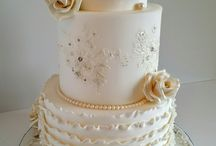 Wedding Cakes / Needing inspiration for your #wedding #cake ? Check out our handpicked choices for every style